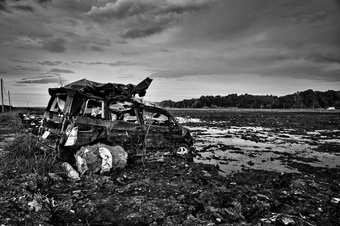 Pierpaolo Mittica (2011), Effetti dello tsunami lungo la costa, Odaka, dalla serie Fukushima 'No-Go Zone'.